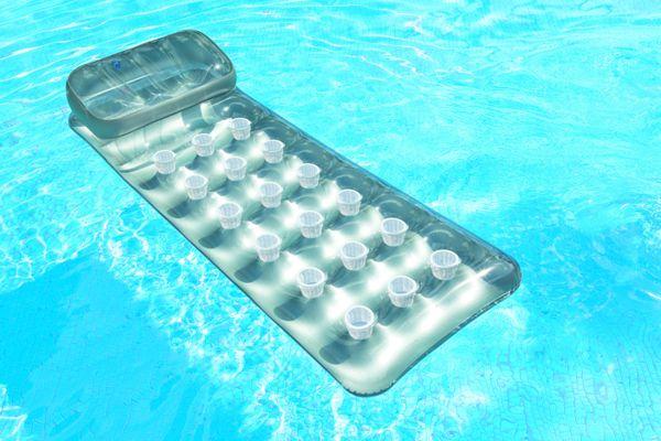 matelas gonflable de piscine intex suntanner achat sur raviday piscine. Black Bedroom Furniture Sets. Home Design Ideas