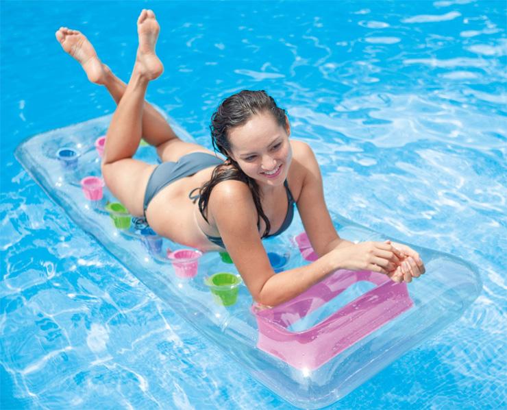 Matelas gonflable piscine lit gonflable plage intex - Comment trouver un trou dans un matelas gonflable ...