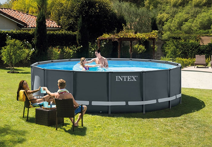 Raviday présente la Piscine tubulaire Intex Ultra XTR Frame 4,88 x 1,22 m