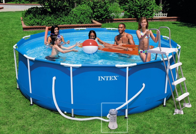 Kit piscine tubulaire intex metal frame x m for Nettoyage piscine intex