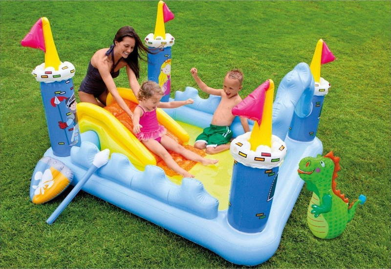 aire de jeu gonflable ch teau m di val intex raviday piscine. Black Bedroom Furniture Sets. Home Design Ideas
