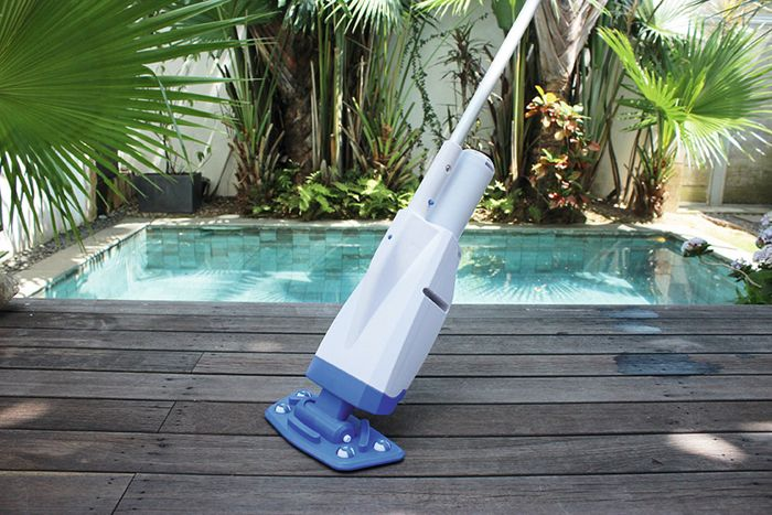 balai aspirateur batterie pour piscine et spa gonflable bestway raviday piscine. Black Bedroom Furniture Sets. Home Design Ideas