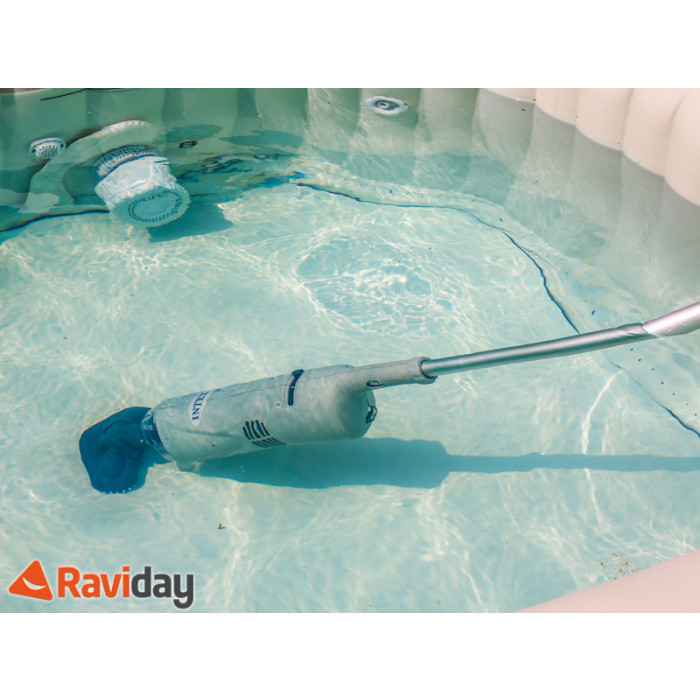 Aspirateur pour piscine et spa intex batterie raviday for Balayeuse piscine automatique