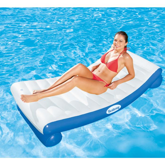 Matelas de piscine gonflable bestway luxe for Accessoire pour piscine bestway