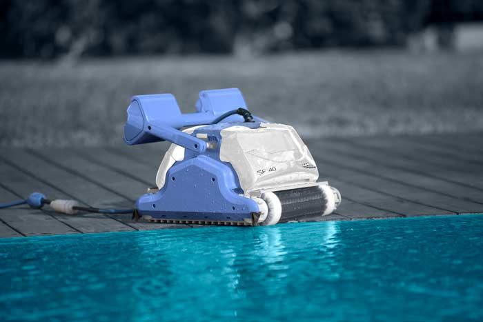 Robot de piscine Maytronics DOLPHIN Explorer SF40