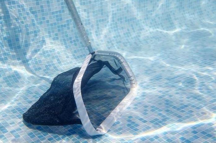 Balai accessoire nettoyage manuel piscine